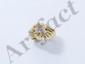 Bague en or godronné, ornée de fleurettes diamantées.. Poids brut: 8.60 g. TDD: 51.