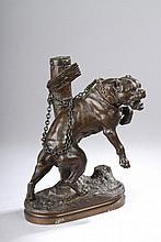 VALTON Charles (1851 - 1918). «passez au large». Bronze à patine médaille signé et légendé. H. 25 cm