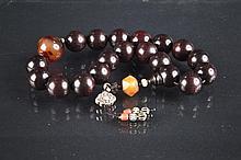 Lobular Red Sandalwood Bracelet with Agate beads