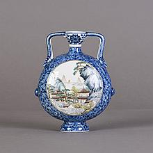 A UNIQUE CHINESE BLUE AND WHITE PORCELAIN VASE