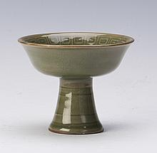 A LONG QUAN YAO STYLE PORCELAIN TALL CUP