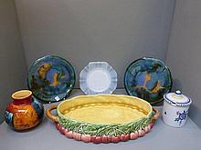An assortment of mixed ceramics including a Poole