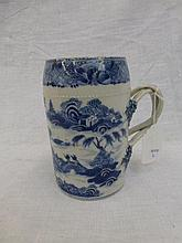 A late 18th/early 19th Century Chinese blue and