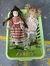 A quantity of collectors dolls.