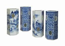 TWO PAIRS OF CHINESE BLUE AND WHITE HEXAGONAL HAT STANDS,