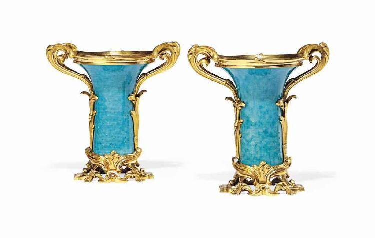 A PAIR OF FRENCH ORMOLU-MOUNTED TURQUOISE CHINESE PORCELAIN VASES