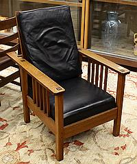 Arts and Crafts spindle Morris chair