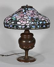 American Arts and Crafts leaded glass table lamp