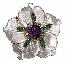 Mother-of-pearl, gemstone and 18k yellow gold ring