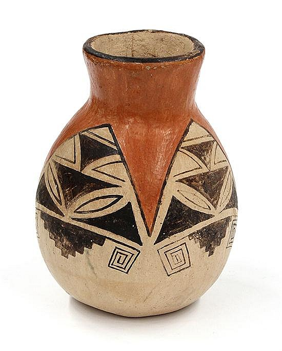 Hopi  pottery jar