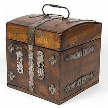 Civil War era doctor's traveling box, having a hinged top opening to a fitted interior, containing glass bottles, most with zinc cap..