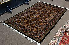 Chinese carpet with thunder line pattern