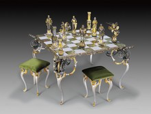 ITALIAN BRONZE CHESS SET, 24 KT GOLD/SILVER PLATED ONYX BOARD W/CANON LEGS
