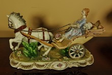 PORCELAIN COURT CARRIAGE 18