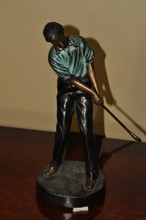 BRONZE GOLFER BLACK & GREEN 12