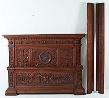 ITALIAN RENAISSANCE STYLE CARVED WALNUT BED