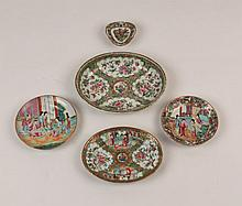 FIVE PIECES OF 19TH C. CHINESE EXPORT PORCELAIN
