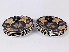 SET OF 12 COBALT AND GILT PORCELAIN DINNER PLATES