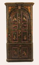 ENGLISH GEORGIAN CHINOISERIE LACQUERED CORNER CUPBOARD