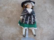 DANBURY MINT VINTAGE COLLECTIBLE PORCELAIN DOLL OF THE WORLD DOLL