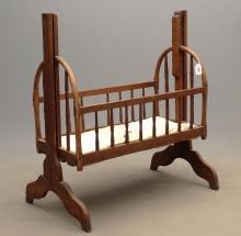 19th c. Cradle