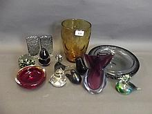 A quantity of Art Glass, glass animals,