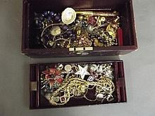 A quantity of jewellery, watches etc
