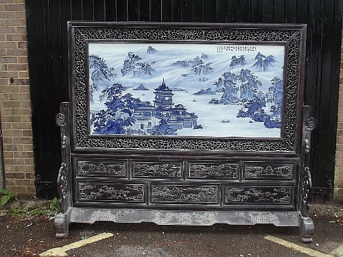 A superb Chinese hardwood framed blue and white