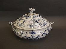 A C19th blue and white pottery tureen and cover in