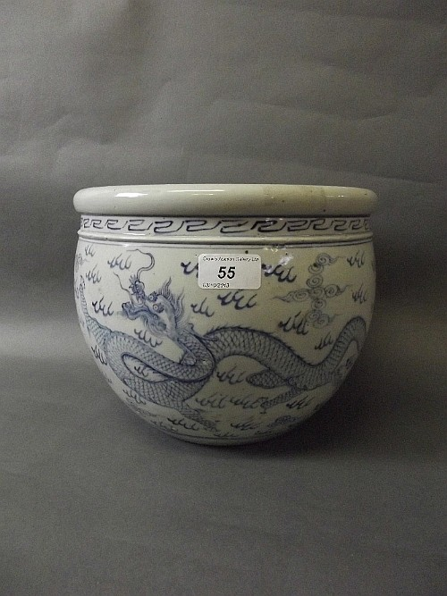 A Chinese pottery blue and white jardinière