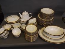 An extensive Noritake tea/dinner service with gilt decoration (92 pieces)