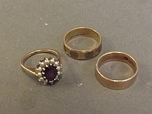Two 9ct gold wedding bands, and an amethyst and pearl dress ring, 5g