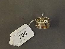 A large Hallmarked 9ct gold gentleman's ring,