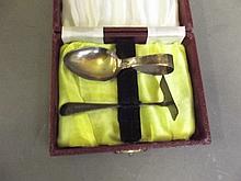 A Hallmarked silver feeding set, cased, Best Bid