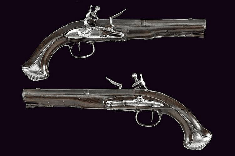 A pair of officer's flintlock pistols