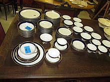 72 Piece Part Tirschenreuth Dinner Set