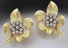 Retro 18K gold and diamond floral earrings