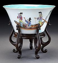 Chinese Qing famille rose porcelain bowl