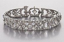 Art Deco 18K gold and diamond bracelet