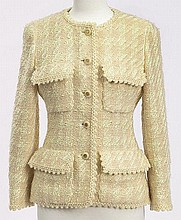 Chanel size 38 tweed jacket