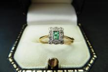 Pre-owned 18ct yellow gold, platinum emerald and diamond ring