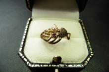 Pre-owned 10ct yellow gold fancy ring