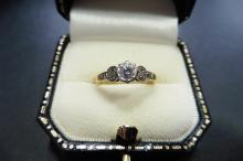 Pre-owned 18ct yellow gold, platinum antique solitaire ring