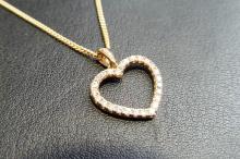 18ct yellow gold diamond pendant