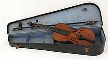 Violin : an early 20 thC violin with bow and case marked ' Antonius Stradivarius