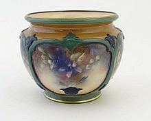 An early 20thC Hadley's Worcester small jardinière