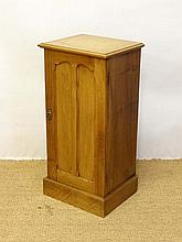 A 19thC walnut pot cupboard, the twin panelled