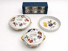 Vintage Retro : A quantity of Royal Worcester