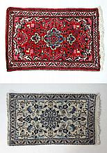 Carpets / Rugs : Floral pattern with central