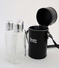 Leather triple flask : a zip opening cylindrical